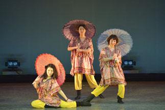 2-03.ジャズ初級(ゆーみん)| 傘を使ってチャイナ風なダンス。キャラクターも登場して華やかに!