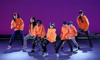 2-06.ヒップホップジュニア(Lickin)|小学生中心のチーム。LICKIN先生っぽい振りをカッコよく踊っています!