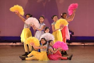 2-10.ジャズジュニア(ISOKUMI)| 色彩感覚が素晴らしく美しい!みんな可愛くてきれいなダンス、会場いっぱいのハッピーでした。