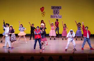 1-01.オープニング 舞台であるアメリカの雰囲気でキャラクター紹介 テーマソングを生歌で♪