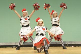 チュッパチャップス|奇抜で可愛い衣装と、キュートなダンス。プロフェッショナルなパフォーマー3人組です。