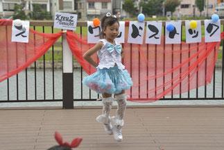 6.ジュニアプリンセス|ゆーみんクラス。一人でも、笑顔でしっかり元気に踊ってすごい!