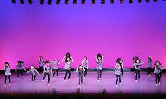 2-02.ヒップホップジュニア(Lickin) Lickin先生ならではのカッコイイ振付を踊りきりました!