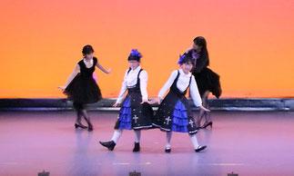 1-06.ジュニアプリンセス(ゆーみん)|ロマンティックなお人形さん達のダンス。衣装もロマンティック!