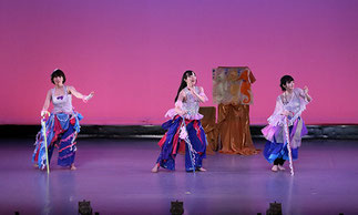 2-05.ナチュラルダンス(ISOKUMI)|衣装も小道具もきれい。そして何と言っても踊りが美しいです。