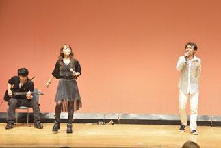 8.新坂淳一&Fish Lover|アニメ「イニシャルD」の曲を男女ツインボーカルとギターでパフォーマンス。新坂さんは当日は音響も担当していたので大忙しでした。