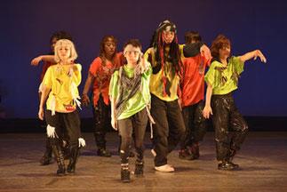 2-04.大人のヒップホップ(梨恵)|今回はゾンビ!なにより踊っているゾンビたちが全力で楽しそう!