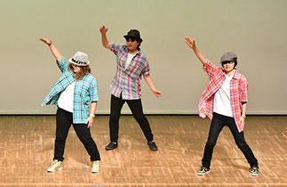05.土曜『フリースタイル初中級』講師RYO|大人が楽しんで踊っていてかっこいい!