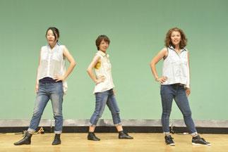 20.金曜『ジャズ初級』講師ゆーみん|おしゃれなジャズダンス。笑顔がいいですね♪