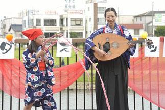 13.野上花|野上陽子|クロイツおなじみ親子。なんとウードの演奏と南京玉すだれ!いつもびっくりさせてくれます。