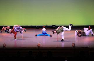 2部開幕。2-01.ブレイキン(KA2)|アイディア満載の面白い作品。未来のお年寄りはバリバリ踊れちゃう??