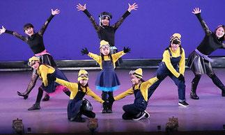 2-03.リズム&ダンス(ISOKUMI)|小学生チーム。今回はミニオン風♪元気一杯可愛くダンス!!