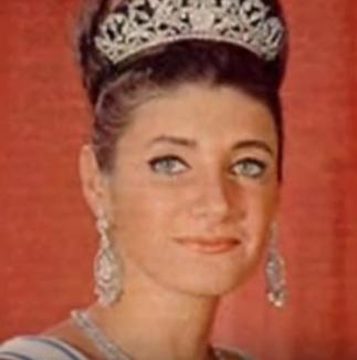 LA PRINCESSE SHAHNAZ PALEVI, née en 1940) FILLE DE LA PRINCESSE ET DU SHAH.