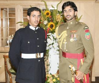Les 2 Inséparables frères Nasser et Khalid, fils de la 2è épouse du Roi, la Sheika Hassan Al Khrayyesh Al Ajmi de l'émirat du Koweit.