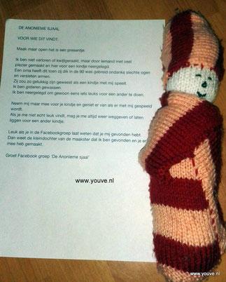 """Poppetje gemaakt door mijn oma in haar laatste levensjaren. Dropping voor """"de anonieme sjaal"""""""