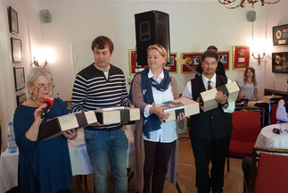 Die Jurymitglieder (von links nach rechts): Inge Beer, Oliver Guntner, Heike Puls, Jordan T. A. Wegberg. Foto: Jens Warmers