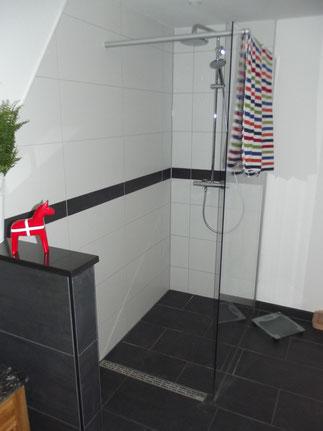 Eine barrierefreie Duschkabine