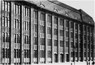 """Ernst Flemming: Neubau der """"Höheren Fachschule für Textil- und Bekleidungsindustrie"""" am Warschauer Platz"""