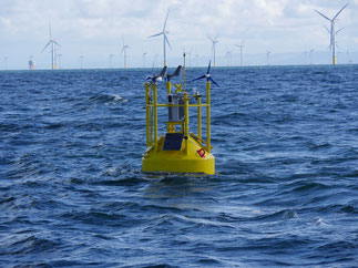 Solarmodule für Seezeichen, Segelboote, Yachten und Boote. Test für absolut seewasserbständig, trittfest und rutschsicher bestanden. Solarmodule für Solaranlagen auf dem Bootsdeck von Segelyachten und Segelbooten sind zum laden von 12V Batterien auf See.