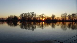 Auch im Winter schön: Idyllische Seen bei Sonnenuntergang