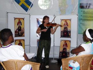 Ikonographin C. Lundström erklärt ihre Ikonen