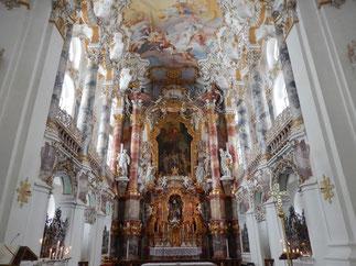 ユネスコの世界遺産にも登録されているヴィース教会の祭壇
