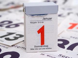 Weniger Garantiezinsen für Lebensversicherungen, höhere Pfändungsfreigrenzen: Am 1. Januar ändern sich für Verbraucher einige Regeln. Foto: Andrea Warnecke