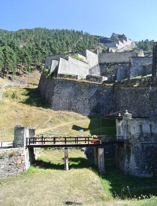 Am Fuße des Forte di Fenestrelle