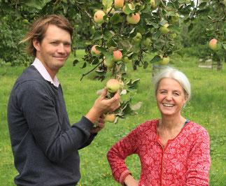 """Georg Loferer und Eva Bichler-Öttl sind die """"Kümmerer"""" des Projektes """"Apfel-Birne-Berge"""""""