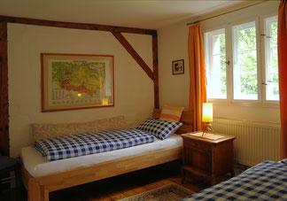 """Blick ins Schlafzimmer """"Bibiliothek"""""""