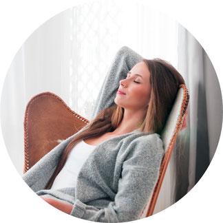 """Hypnose als Zustand der grossen Entspannung: Unterbewusstsein und Bewusstsein sind um ein Vielfaches aktiver als in einem """"gestressten"""" Zustand."""