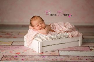 wunderschöne Rüschen Wraps,Rüschentücher aus verschiedenen Stoffen, bestens geeigent für die Newborn-Babyfotografie  zum Pucken, Einwickeln, Drüberlegen, oder als Hintergrund u.v.m. Spitzenwrap Neugeborenes Baby Neugeborenen Wrap Wrapping Pucken Tuch