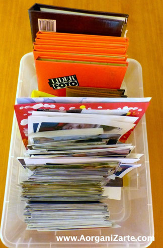 Saca las fotos de las cajas, organízalas y ponlas en álbumes - AorganiZarte