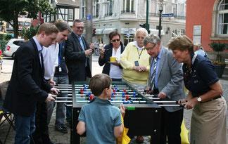 Ulrike Flach möchte zusammen mit dem Werdener Ratsherrn und Ortsvorsitzenden Klaus Budde gemeinsam Punkte machen (rechts).