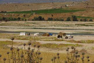 Nomadenzelte direkt am Fluss Rud-e Faliyan