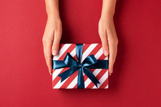 bon-cadeau-original-offrir-box-oenologie-Vouvray-Touraine-Vallee-Loire-Rendez-Vous-dans-les-Vignes-Myriam-Fouasse-Robert