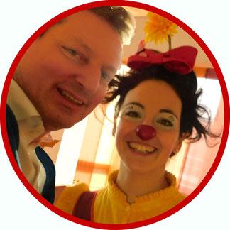 Eckard von Hirschhausen von Humor hilft Heilen besucht die Clownin Angelina Haug auf ihrer Clownsvisite in Stuttgart