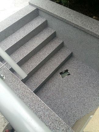 Sanierung einer Treppe mit einem Steinteppich - Mario Bogisch Bausysteme