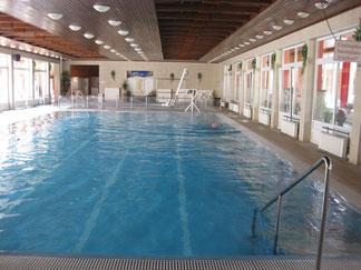 Schwimmbecken innen