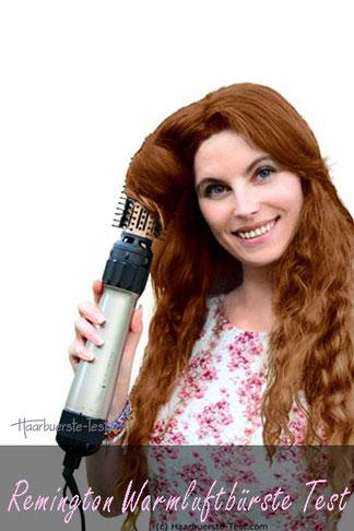 Frau mit langen Haaren und Naturlocken mit Remington AS8110