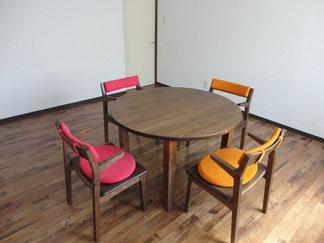 おかやまの木 テーブル 椅子