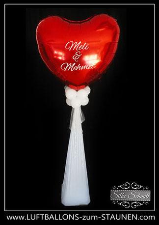 Ballon Luftballon Ständer Dekoration Deko Hochzeit Eingang Herzen Ballonständer elegant modern personalisiert mit Namen Brautpaar Stoff Tüll Folienherz