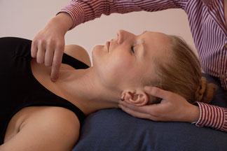 Osteopathie, Behandlung, Hamburg, Massage, Craniosakrale, System, Wirbelsäule, Schädel