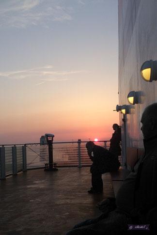 Ondergaande zon in Hoek van Holland