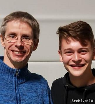 SG 03 Vereinsmeister 2019 Miles Rettig(r) und sein Endspielgegner Timo Metz(l)