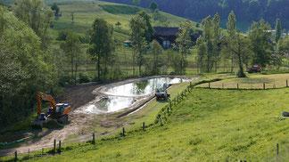 Der Mülirainweiher im Bau im Frühling 2018