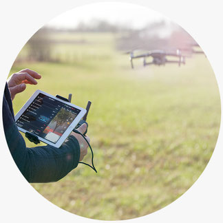 Ludftbildaufnahmen mit Drohne. Vogelperspektive mit Videodrohne ohne Ruckeln mit Gimbel Technik
