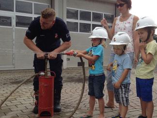 Feuerlöschübung Kindergarten Georgsberg 09.07.2015