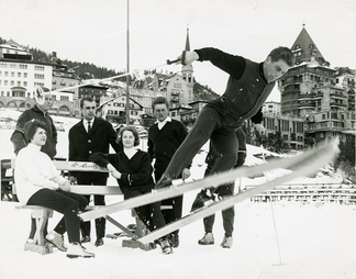 Deutsche Ski-Nationalmannschaft in Fausel Hosen, St. Moritz 1965