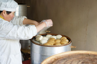 """Wenn man Mantou kauft, braucht man auch kein """"Guten Tag"""". Unnötig, unüblich. Im Chinesischen geht es auch ohne """"Ni hao""""."""